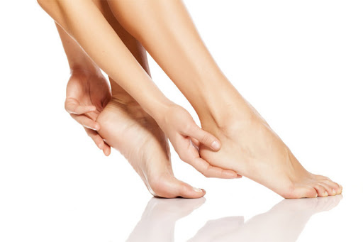 Comment en finir avec les pieds secs ?