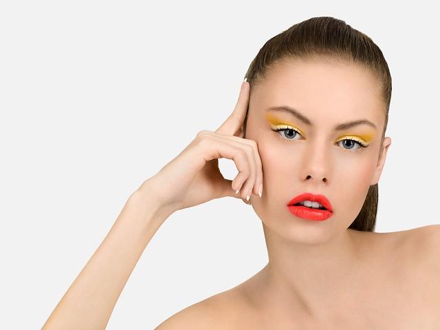 Maquillage permanent: toutes les réponses à vos questions ici!